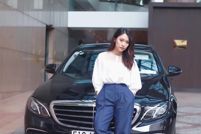 Chưa quá 20, Khánh Vy đã có thể tự mua ô tô