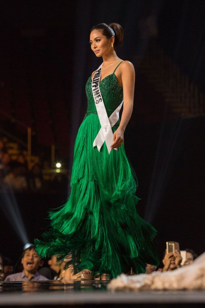 Chi tiết tua rua đã cộng hưởng trong những bước catwalk giúp màn trình diễn của cô thêm phần sinh động. Cuối cùngMaxine Medina lọt tận top 6 chung cuộc.