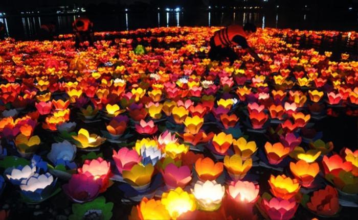 Cúng Rằm tháng Giêng có ý nghĩa như thế nào? Vì sao lại nói Lễ Phật quanh năm không bằng ngày Rằm tháng Giêng? ảnh 3