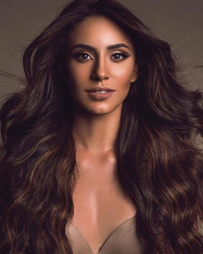 Aletxa Marie Mueses Santana từng đại diện Dominican Republic tại Miss World 2017 và lọt vào Top 40 chung cuộc.
