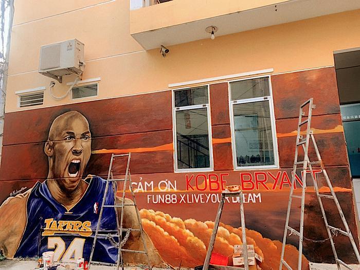"""Trước đó, năm 2019, Kobe Bryant đã trở thành đại sứ thương hiệu của Trang giải trí trực tuyếnvới mục tiêu lan tỏa thông điệp của """"Biếngiấc mơ thành hiện thực""""."""