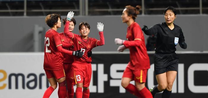Theo bản tin thể thao hôm nay, Ngân Thị Vạn Sự là người ghi bàn thắng duy nhất cho ĐT Việt Nam trước Myanmar.
