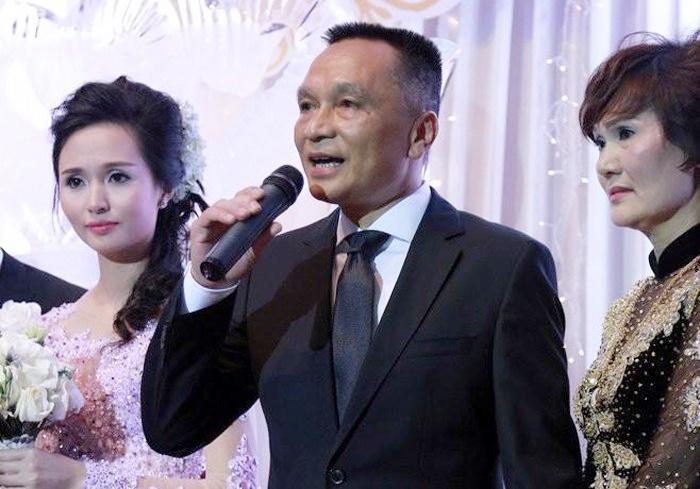 Ông Nguyễn Giang Đông là bố vợ của Duy Mạnh và Văn Quyết.