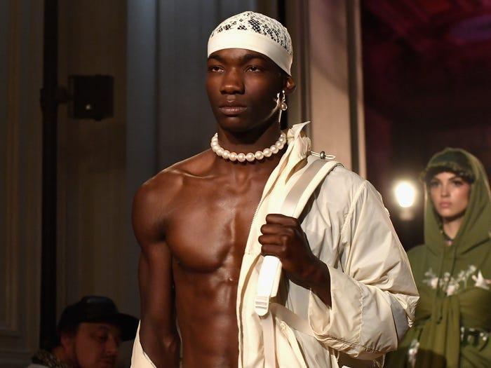 15 người mẫu da màu đang gây bão thế giới thời trang ảnh 14