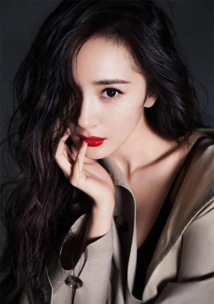 Top 4 nữ minh tinh thực lực nhất của màn ảnh Hoa ngữ: Nữ hoàng rating Triệu Lệ Dĩnh chỉ về nhì vậy ai là người dẫn đầu? ảnh 1