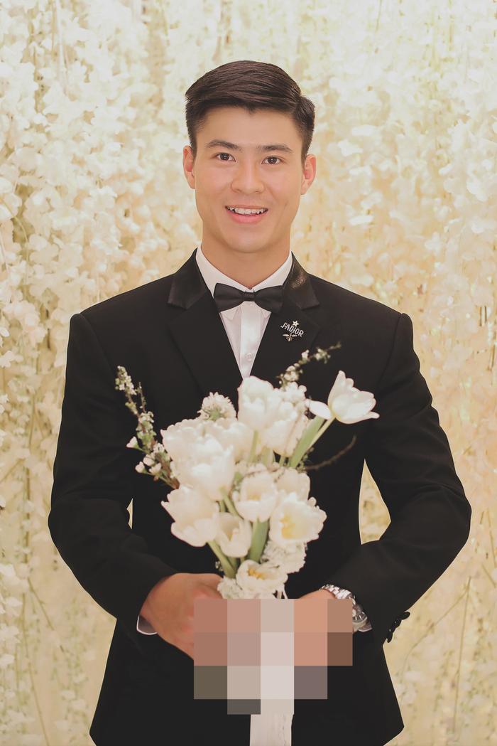 Bật mí chất liệu tuyệt đẹp tạo nên chiếc váy như mơ trong lễ cưới Duy Mạnh  Quỳnh Anh ảnh 2