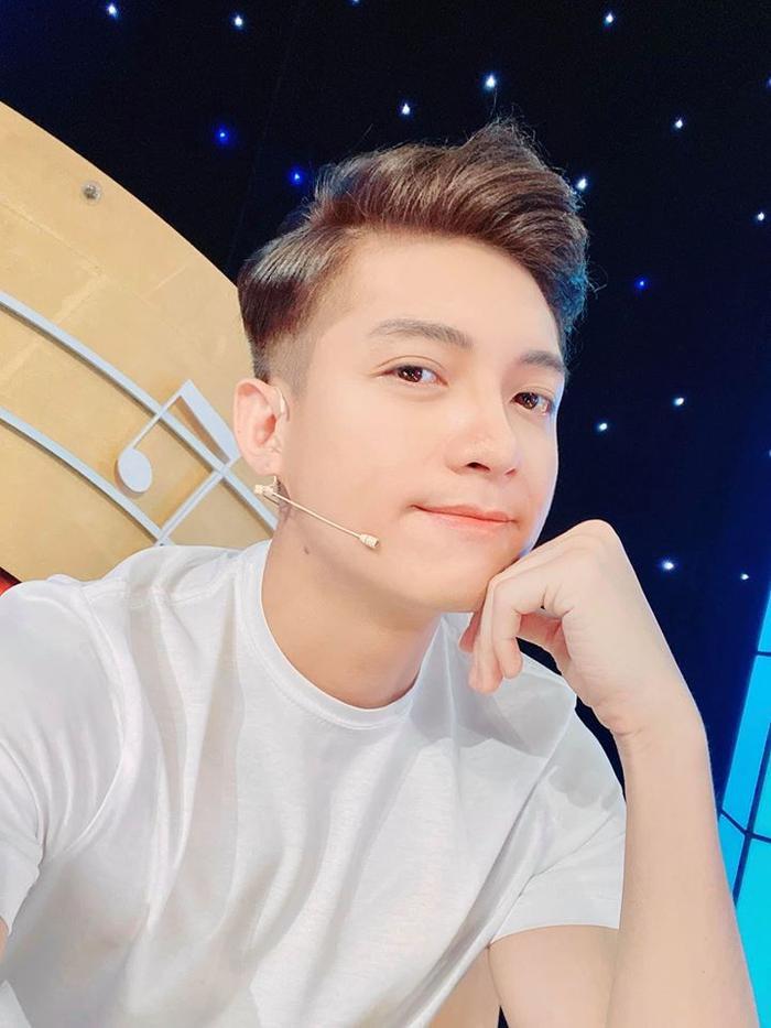 Diễn viên Hữu Đằng