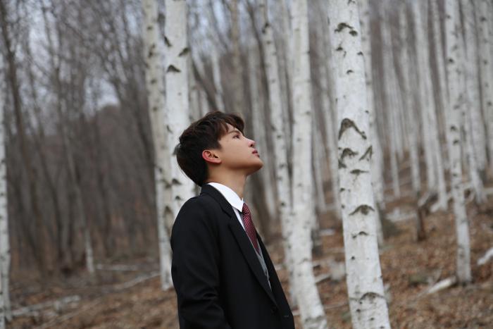 Phạm Đình Thái Ngân sang tận Hàn Quốc thực hiện MV mới, ca khúc đặc biệt tặng riêng hội FA mùa Valentine ảnh 1