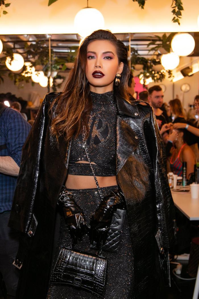 Thay đổi 2 phong cách khác nhau, Minh Tú nổi bật và đầy quyền lực tại ngày 2 New York Fashion Week 2020 ảnh 6