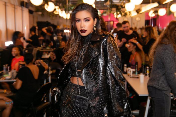 Thay đổi 2 phong cách khác nhau, Minh Tú nổi bật và đầy quyền lực tại ngày 2 New York Fashion Week 2020 ảnh 7