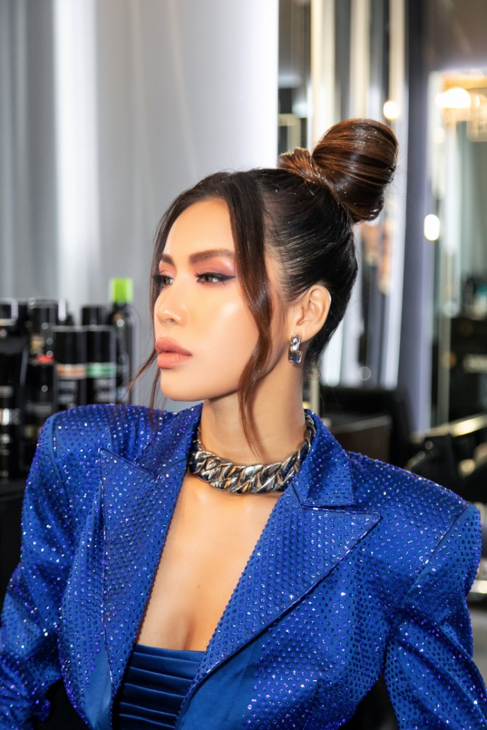 Thay đổi 2 phong cách khác nhau, Minh Tú nổi bật và đầy quyền lực tại ngày 2 New York Fashion Week 2020 ảnh 0