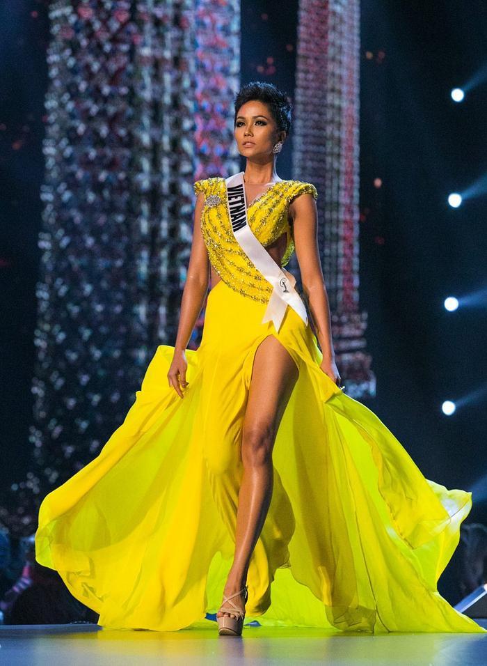 H'Hen Niê cũng chiến thắng Timeless Beauty với thành tích Top 5 Miss Universe 2018.