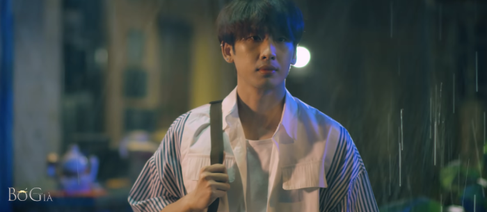 Tuấn Trần vào vai cậu con trai Sang đang là sinh viên đại học, tìm kiếm nghề gia sư để làm thêm trong Bố già.