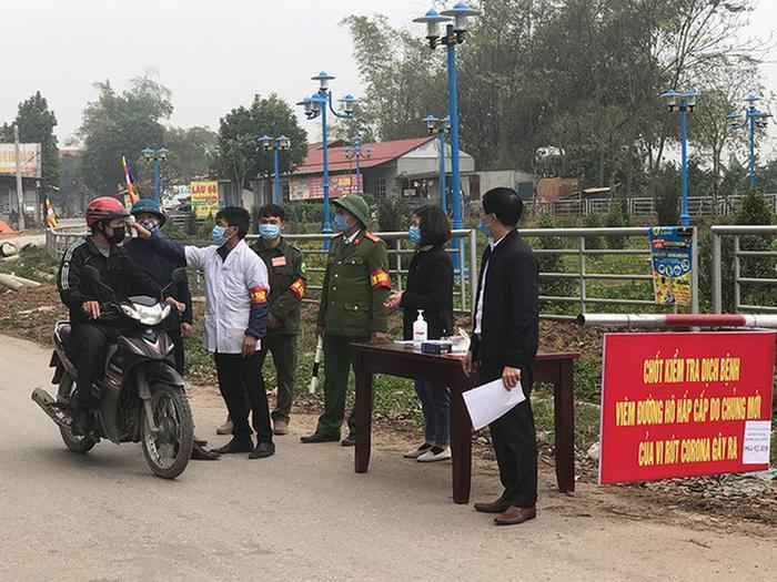 Một chốt kiểm dịch trên địa bàn xã Sơn Lôi. Ảnh: báo Pháp Luật TP.HCM
