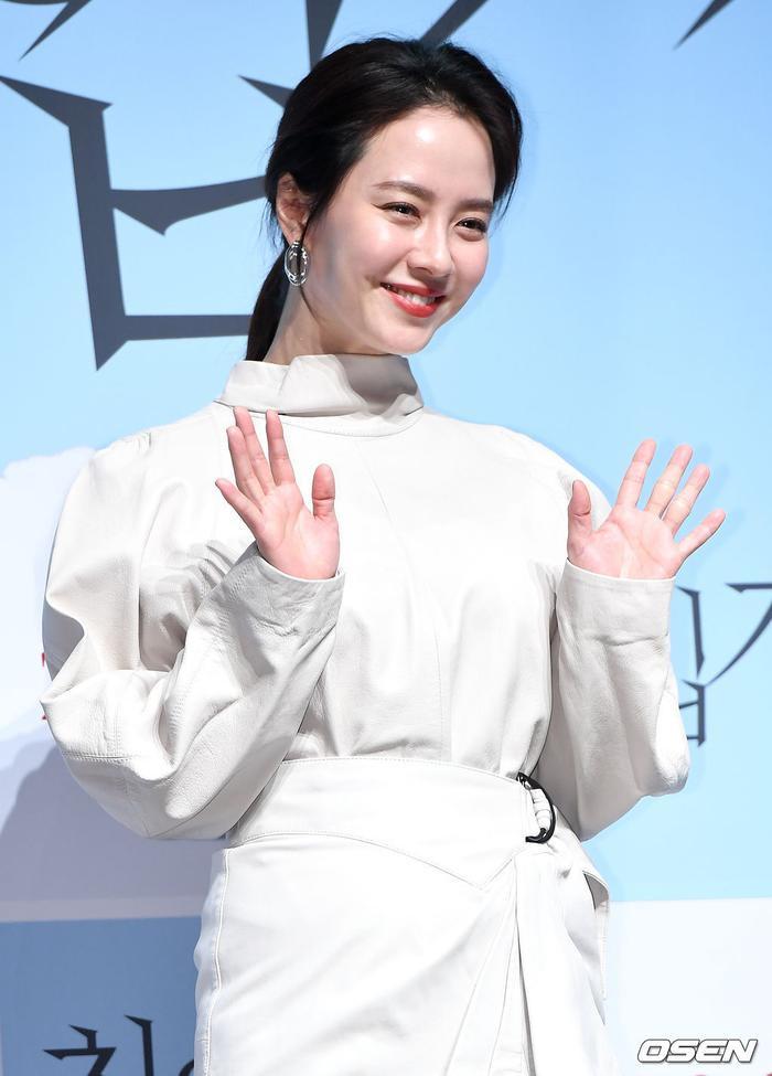 Mợ ngố Song Ji Hyo đẹp nền nã ở tuổi 38: Knet tiếc vì cứ để mặt mộc trong Running Man ảnh 6