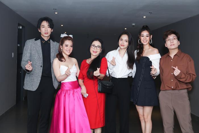 Tuấn Trần thừa nhận 'crush' Hương Giang, Puka bị lôi đầu dậy nửa đêm để tập thoại
