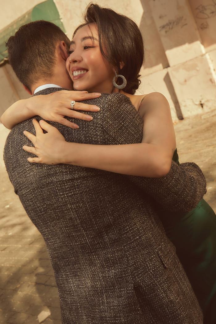 Thu Trang  Tiến Luật đón Valentine ngọt ngào, kể điều hạnh phúc nhất khi ở bên nhau 9 năm ảnh 12