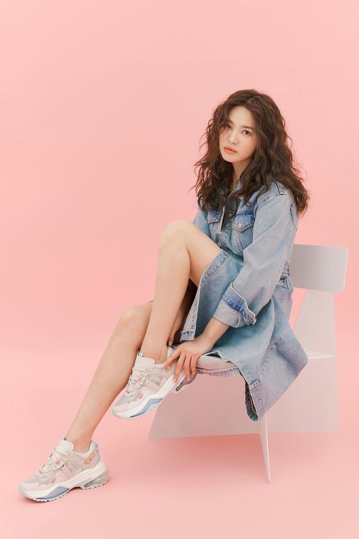 Song Hye Kyo để tóc sợi mì, khoe vẻ đẹp tựa nữ thần ngày Valentine ảnh 8