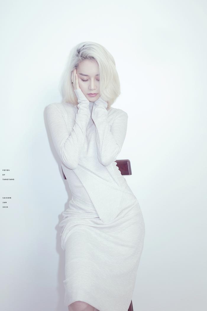 Thiều Bảo Trang phân thân 2 người khác nhau trong MV mới, bật mí mỗi tháng ra mắt một sản phẩm ảnh 2