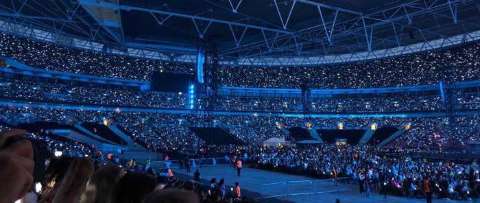 Một góc SVĐ Wembley rộng lớn.