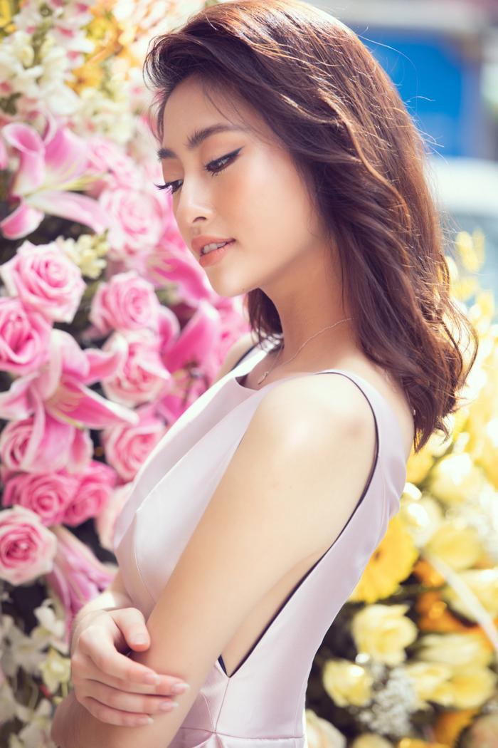 Sau khi cắt tóc ngắn, Lương Thuỳ Linh đứng cạnh Đỗ Mỹ Linh trông như một cặp song sinh ảnh 3