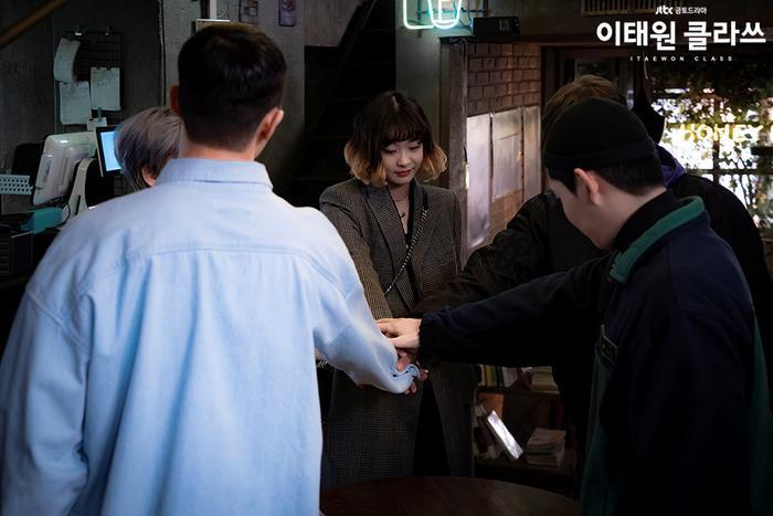 Phim của Park Seo Joon đạt kỷ lục mới, vươn lên vị trí thứ 3 trong top những bộ phim có rating cao nhất của đài jTBC ảnh 4