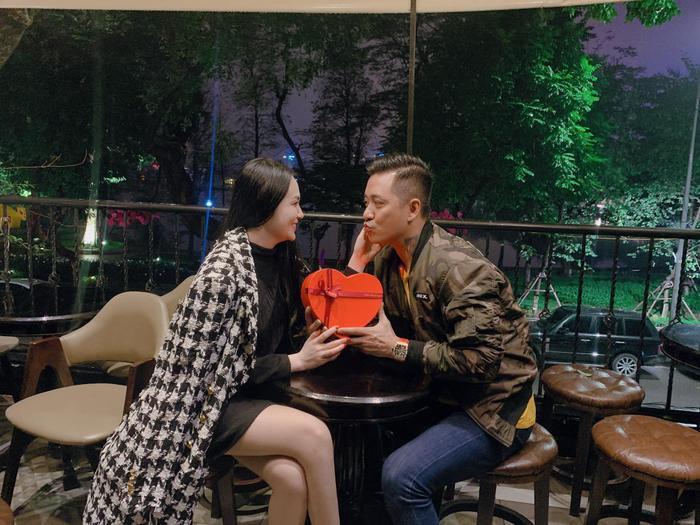 Hương Baby khoe khoảnh khắc cực ngọt bên chồng trong ngày Valentine