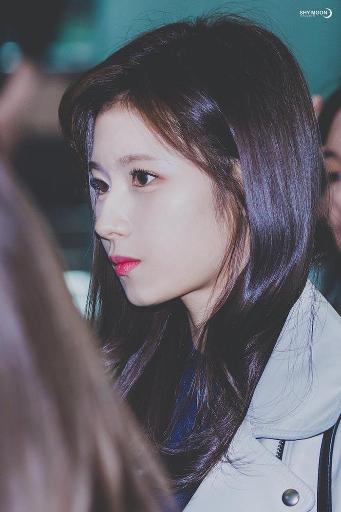 10 sao idol Hàn sở hữu chiếc mũi sắc như dao, thẳng hơn giới tính bọn anti-fan ảnh 9
