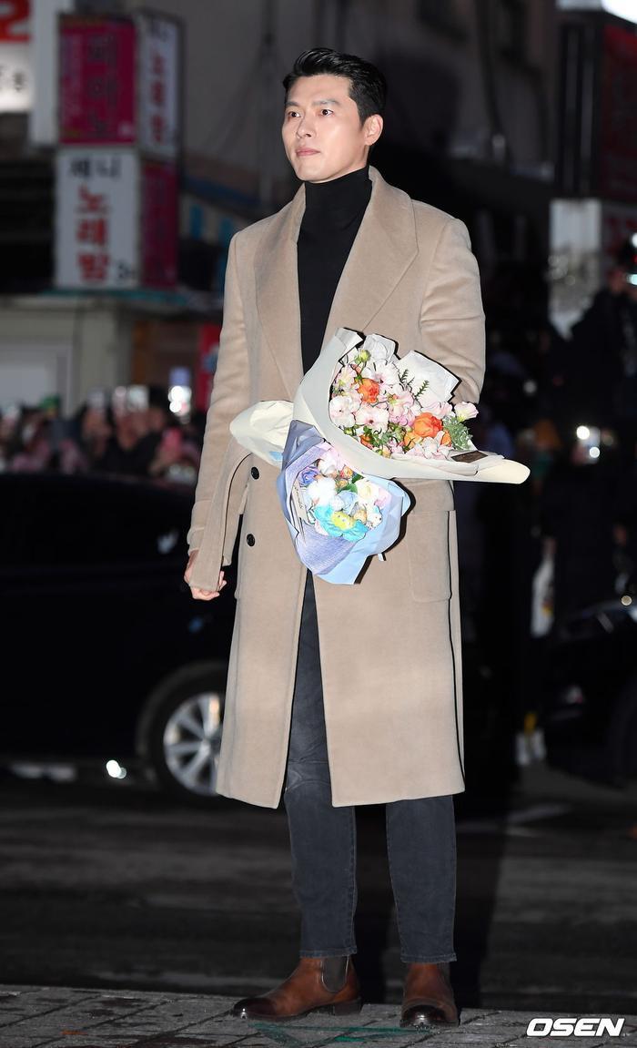 Hyun Bin – Son Ye Jin cùng dàn sao rạng rỡ tại tiệc liên hoan phim 'Hạ cánh nơi anh'