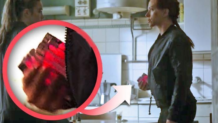 Hai lọ huyết thanh gây tò mò trong trailer