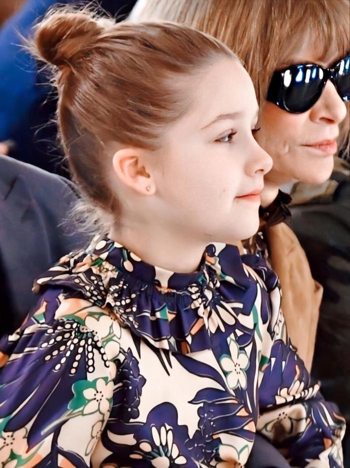 """David từng thừa nhận anh """"cuồng"""" cô con gái nhỏ của mình. Để thể hiện tình yêu của mình dành cho con gái nhỏ, David Beckham còn xăm dòng chữ """"Pretty Lady Harper"""" (Quý cô xinh đẹp Harper) lên vai trái của mình bên cạnh một trái tim."""