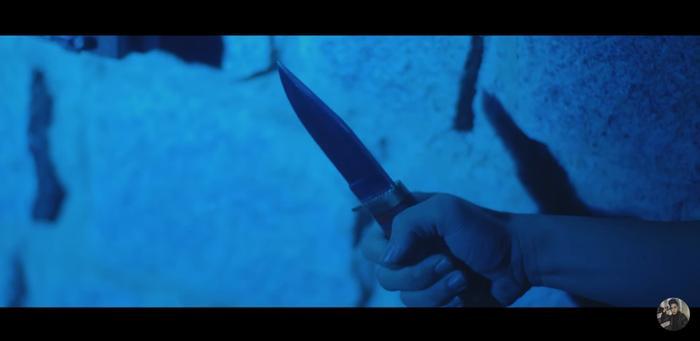 Cần một lý do: Kẻ rút dao đâm lén K-ICM chính là ảnh 2