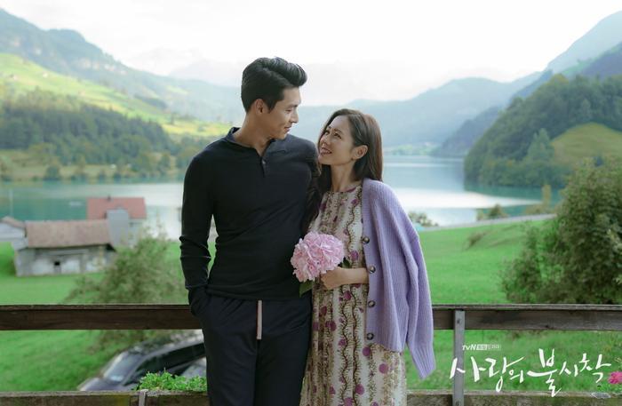 Phim giả tình thật, Son Ye Jin  Hyun Bin như chụp ảnh cưới ở cuối phim Hạ cánh nơi anh ảnh 5