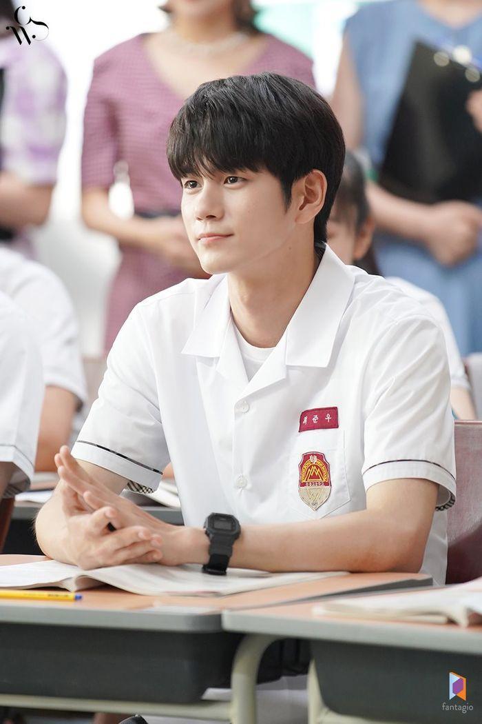 Ong Seong Woo (Wanna One) yêu đương Shin Ye Eun trong phim của đạo diễn Người đẹp Gangnam ảnh 3