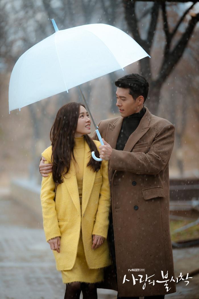 Phim giả tình thật, Son Ye Jin  Hyun Bin như chụp ảnh cưới ở cuối phim Hạ cánh nơi anh ảnh 1
