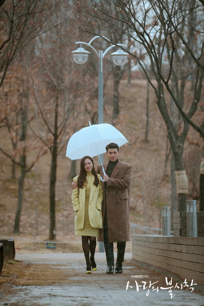 Phim giả tình thật, Son Ye Jin  Hyun Bin như chụp ảnh cưới ở cuối phim Hạ cánh nơi anh ảnh 3