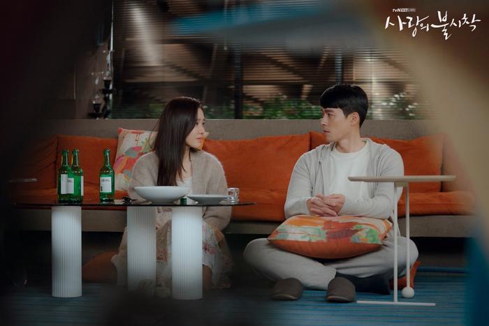 Son Ye Jin  Hyun Bin chọn cảnh phim hay nhất trong 16 tập Hạ cánh nơi anh ảnh 4