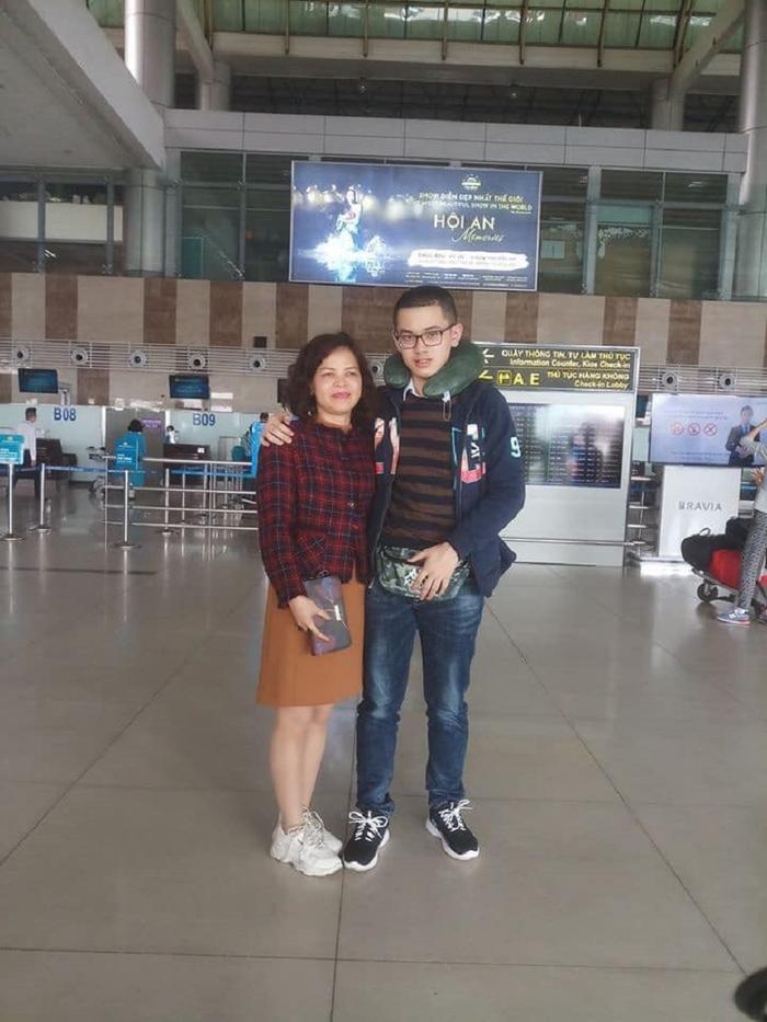 Nhà vô địch Olympia năm thứ 18 Nguyễn Hoàng Cường chính thức lên đường sang Australia du học ảnh 0