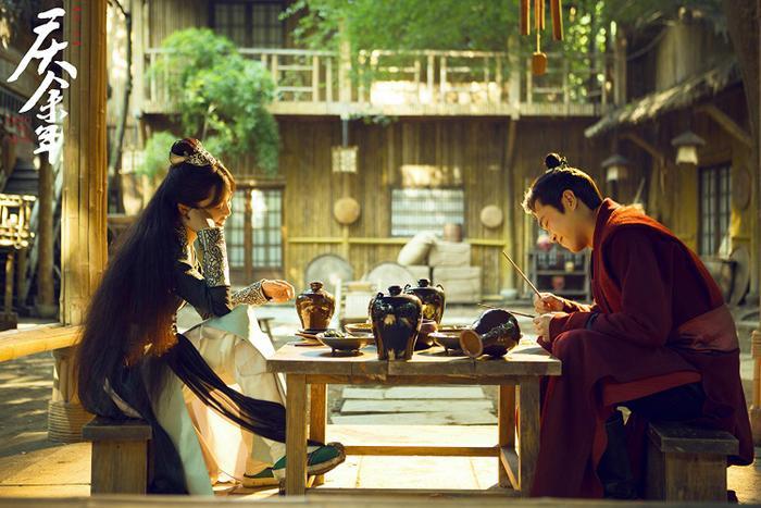 Khánh dư niên phiên bản mới phát sóng tại Hong Kong: Đánh dấu tác phẩm đầu tiên của Tiêu Chiến ra mắt tại xứ Cảng Thơm ảnh 8
