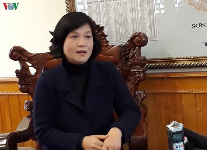 Bà Tô Thị Ánh, Phó Giám đốc Sở Giáo dục và Đào tạo Yên Bái trao đổi với phóng viên.