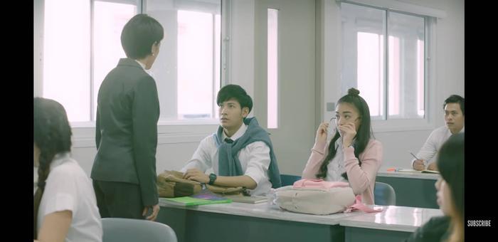 Trúc Anh (The Face) hóa siêu sao, yêu anh bảo vệ trong Girl Next Room  Series phim hot tháng 3 của GMM25 Thái Lan ảnh 4