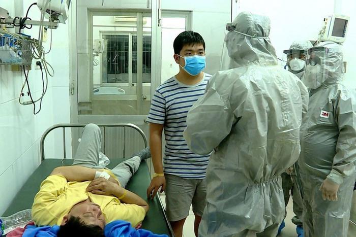 Theo WHO, người dân có thể tận dụng yếu tố nhiệt độ để làm giảm sức mạnh của virus corona. (Ảnh: EPA)