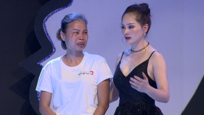 Diễn viên Lan Phương khẳng định với thí sinh: không có gì có thể thay đổi được nếu như tư duy không thay đổi.