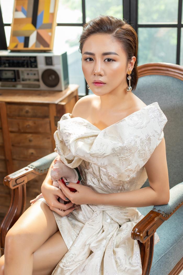 Nhạc sĩ Hứa Kim Tuyền xúi Văn Mai Hương hát nhạc của mình để giải nghiệp ế ảnh 0