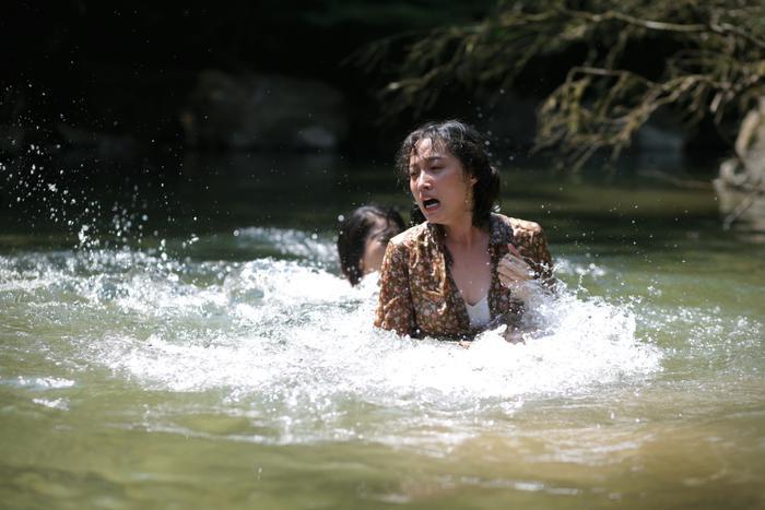 Truyền thuyết về Quán Tiên tung trailer rùng rợn, ám ảnh với câu chuyện thiếu nữ bị bắt làm vợ khỉ ảnh 6