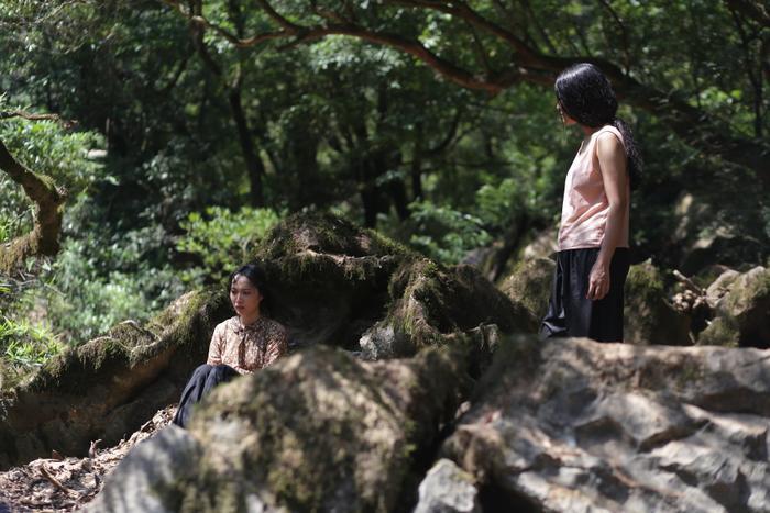Truyền thuyết về Quán Tiên tung trailer rùng rợn, ám ảnh với câu chuyện thiếu nữ bị bắt làm vợ khỉ ảnh 8