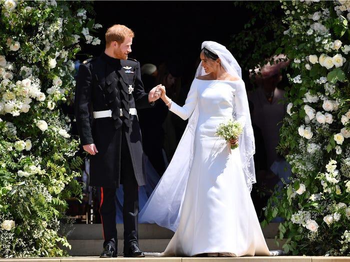 22 chiếc váy cưới hoàng gia nổi tiếng nhất thế giới từng gây bão truyền thông ảnh 4