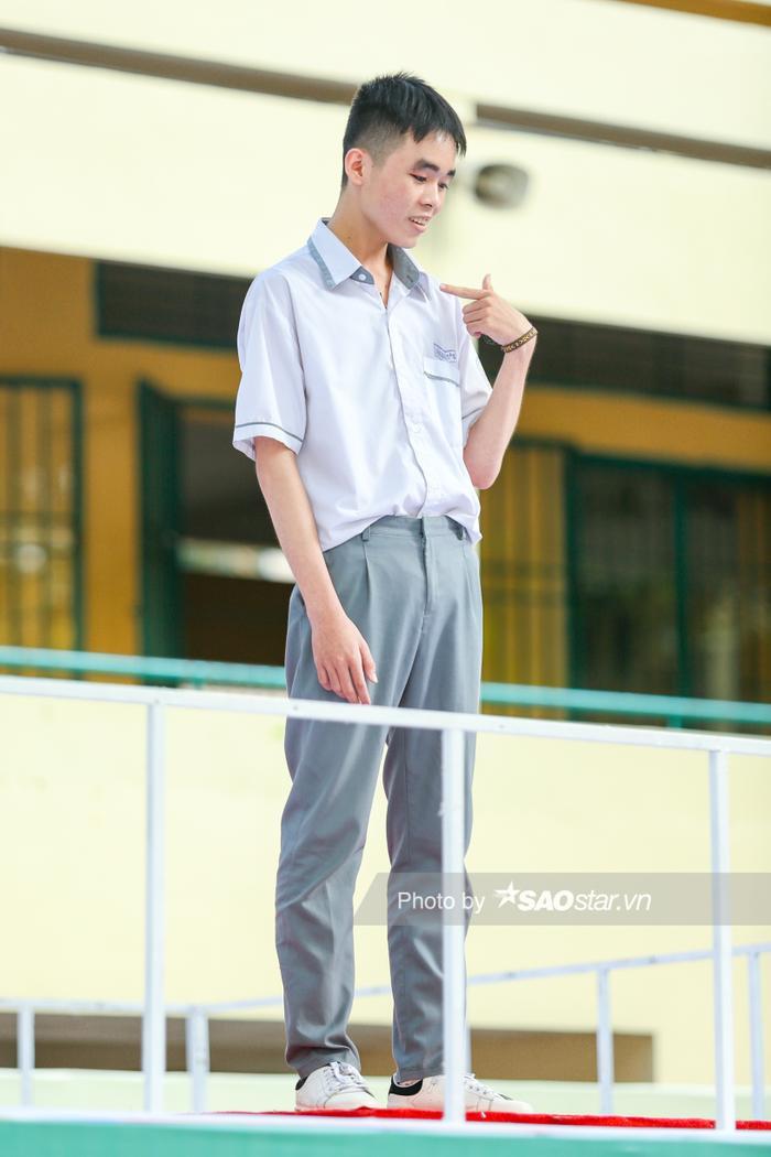 Jun Phạm tái mét mặt khi bị cậu trai lớp 11 chê mông lép và quyết tâm sở hữu body 6 múi vạn người mê ảnh 1