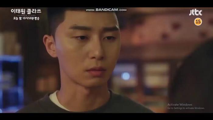 Park Sae Ro Yi tước thẻ và cho Son Yi Seo thôi việc