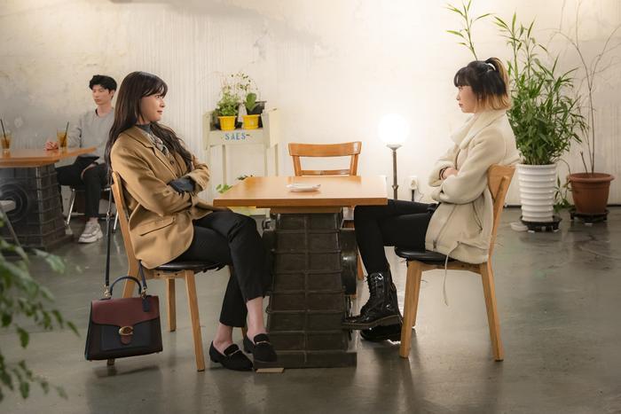 Tầng lớp Itaewon: Nam  nữ chính như bước ra từ truyện tranh, dàn nữ phụ xinh đẹp hơn hẳn ảnh 4